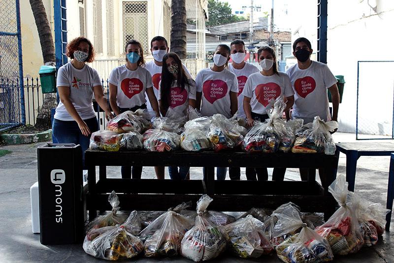 Fomos ajudar o projeto Associação Prover entregando 30 de cestas de alimentos à famílias assistidas pelo projeto.